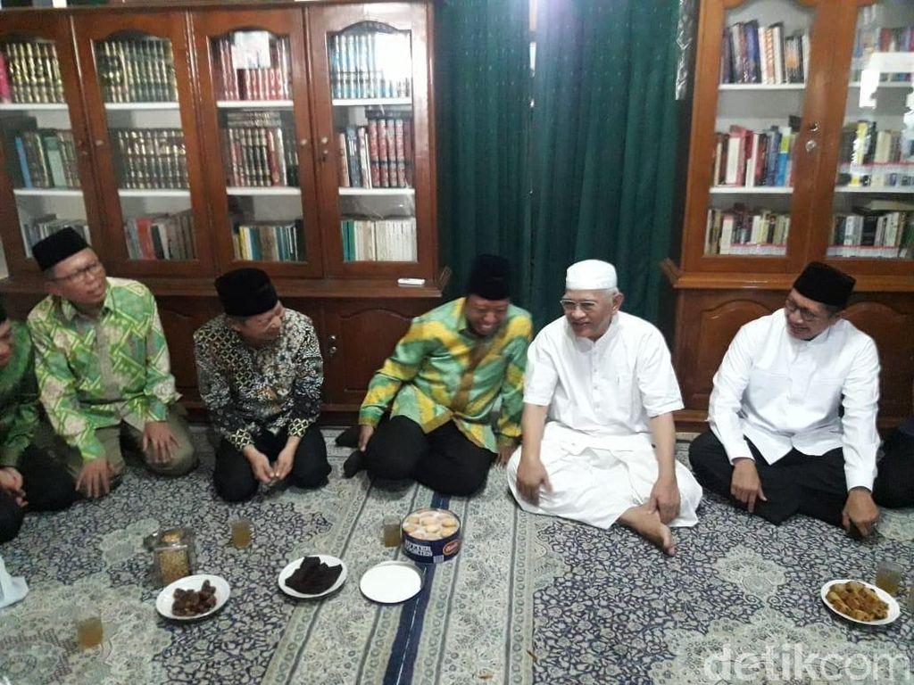 Bersama Lukman, Rommy Sowan Gus Mus dan Mbah Moen di Rembang