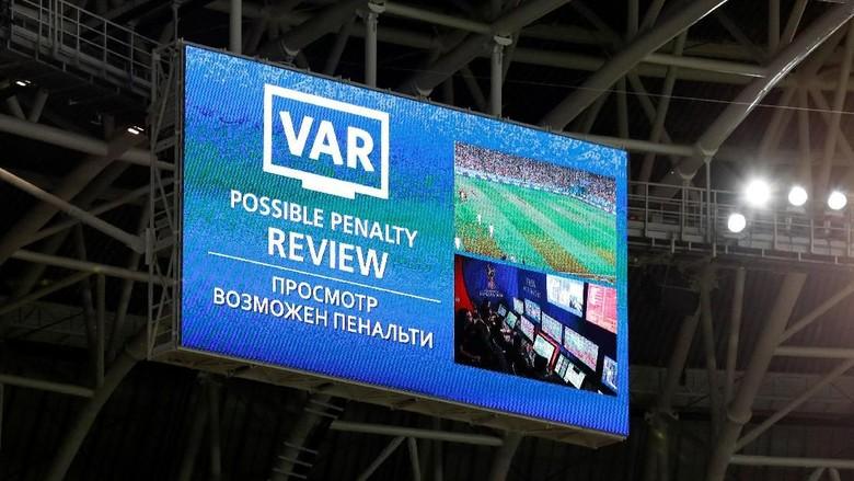 'VAR Sukses Besar di Piala Dunia 2018'