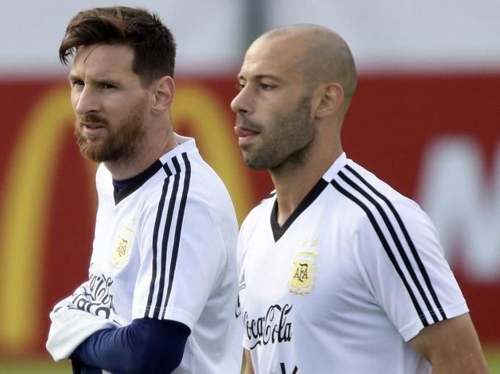 Salam Perpisahan Messi untuk Mascherano dan Gago