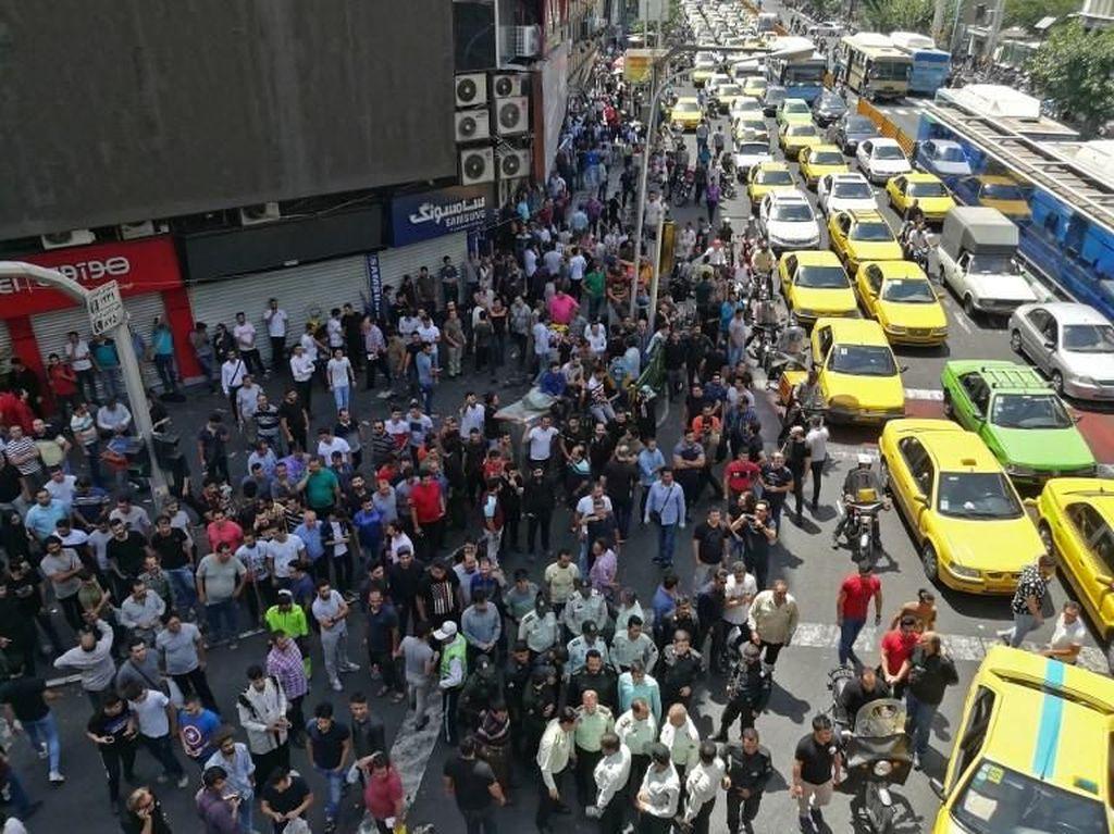 Iran Tangkap 100 Orang Biang Keladi Kerusuhan Saat Aksi-aksi Demo