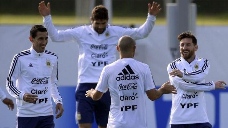 pelatih dan pemain argentina harus bersatu