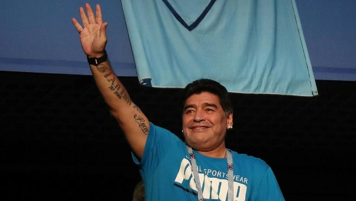 Soccer Football - World Cup - Group D - Nigeria vs Argentina - Saint Petersburg Stadium, Saint Petersburg, Russia - June 26, 2018   Diego Maradona in the stands before the match    REUTERS/Sergio Perez