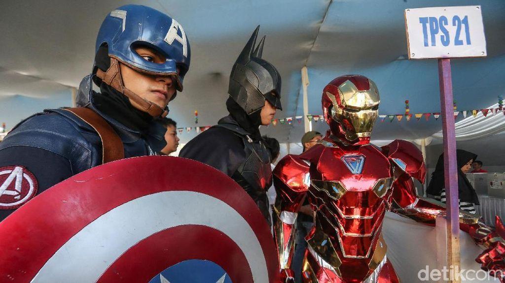 Captain America, Batman dan Iron Man di TPS Ridwan Kamil