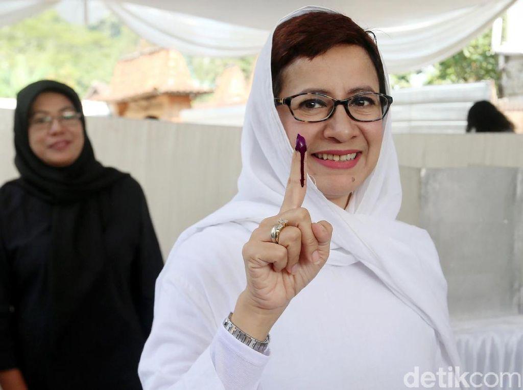 Maju Jadi Calon Walikota, Nurul Arifin Mencoblos di Bandung