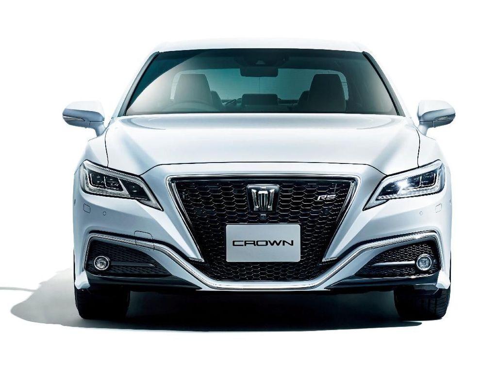 Mobil Para Menteri Toyota Crown Punya Tampang Baru