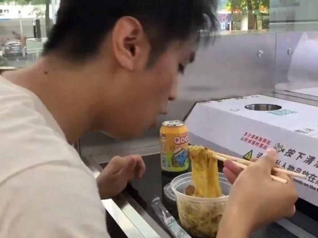 Tanpa Karyawan, Restoran di China Ini 100 Persen Dilayani Oleh Robot