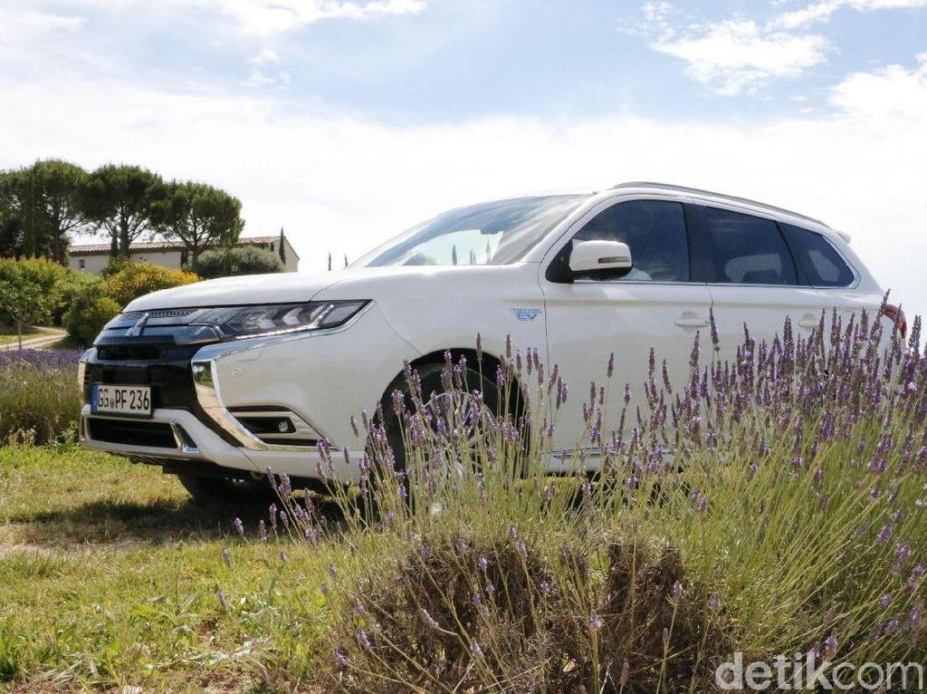 Mitsubishi Outlander PHEV Jadi Raja di 5 Negara Eropa Ini