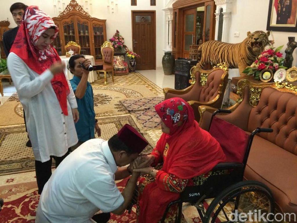 Sungkem dan Minta Doa Ibu, Anton Charliyan: Jimat Ampuh