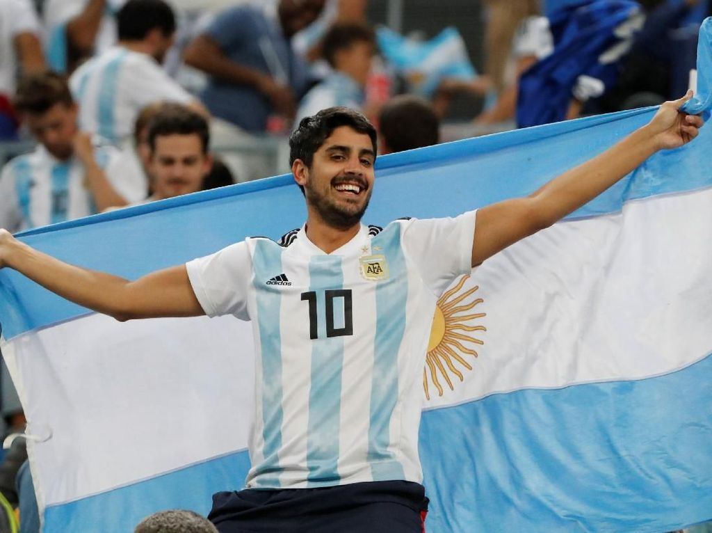 Senyum Cerah Suporter Argentina