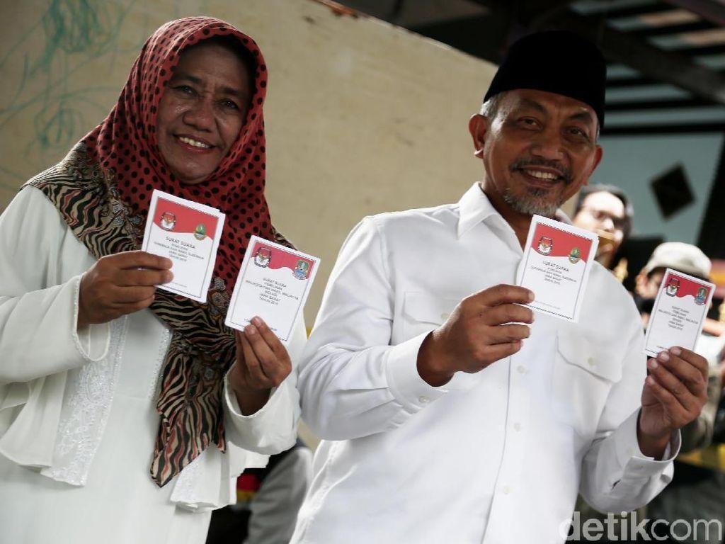 Pasangan Asyik Menang Telak di TPS Tempat Ahmad Syaikhu Nyoblos