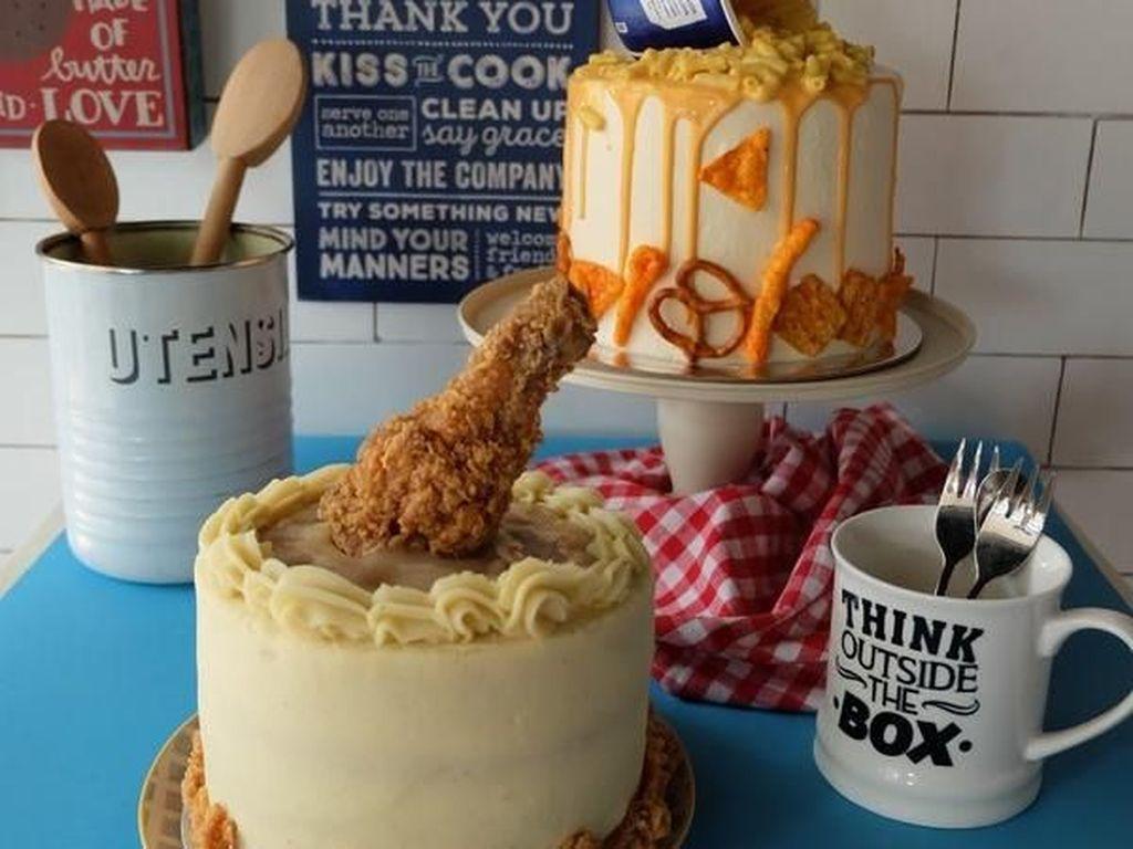 Kue Manis Sudah Biasa, Ini 10 Inspirasi Kue Pernikahan Gurih!
