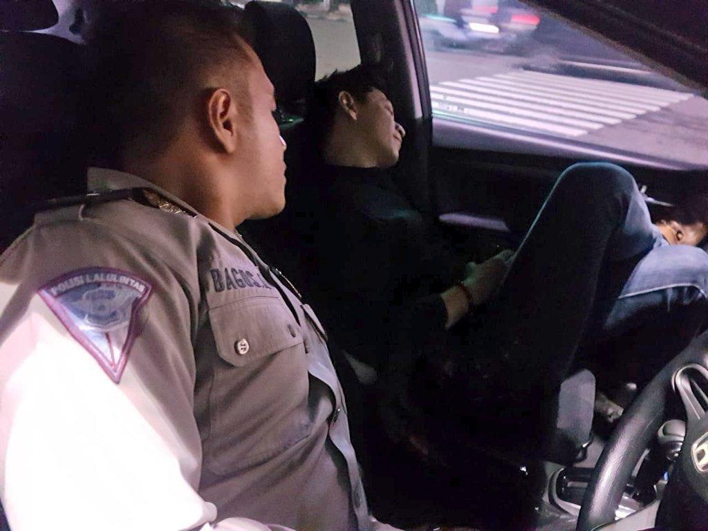 Diduga Mabuk Sopir Mobil di Harmoni Dibawa ke Kantor Polisi