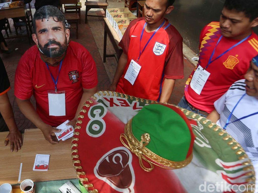 TPS Unik Bertema Piala Dunia