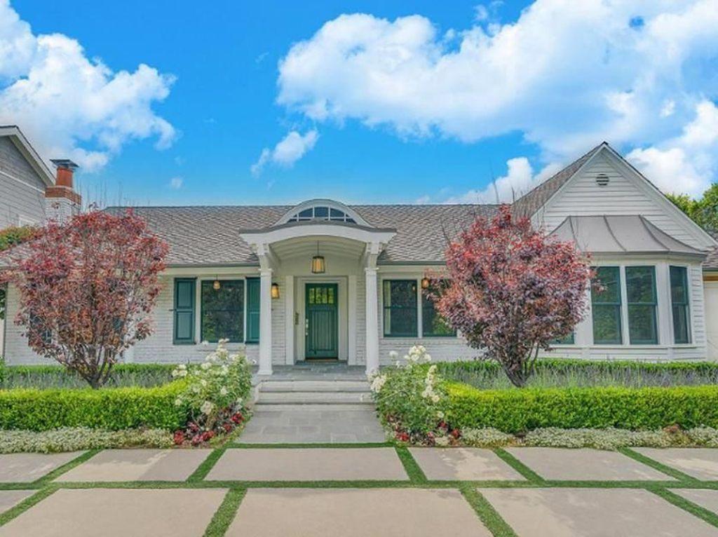 Foto: Rumah Selena Gomez Kelihatan Simpel, Tapi Harganya Rp 39 M!