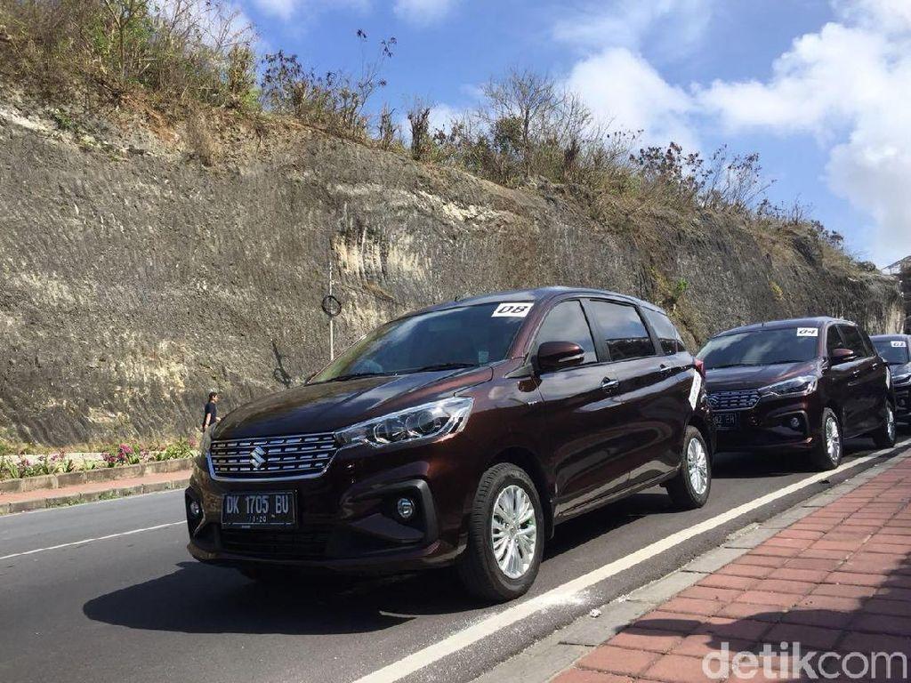 Jalan-jalan dengan Mobil Keluarga di Selatan Bali