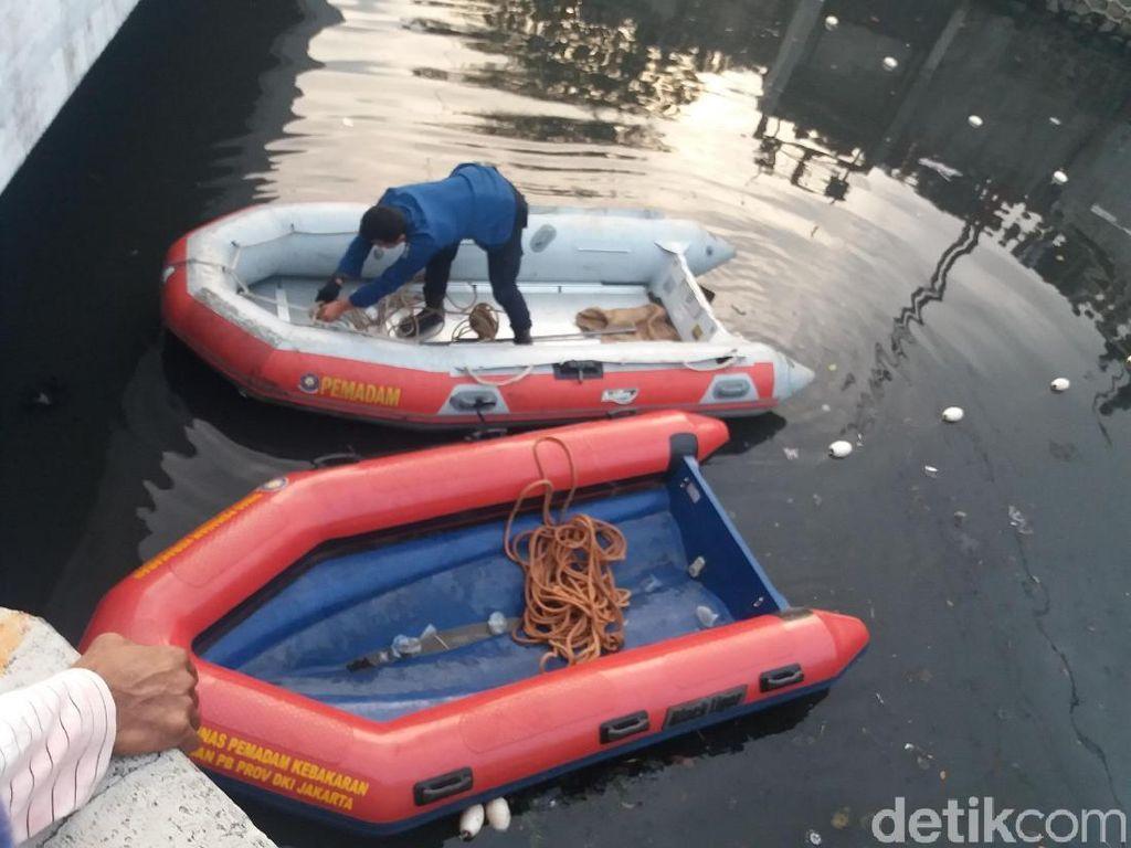Debit Air Naik, Pencarian Buaya Kali Grogol Dilanjutkan Besok
