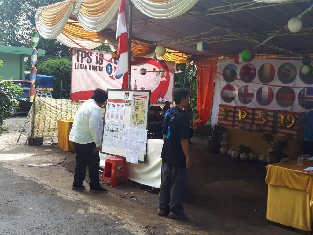Tinjau Pilkada, Menteri LHK Puji Kebersihan TPS Ala Piala Dunia