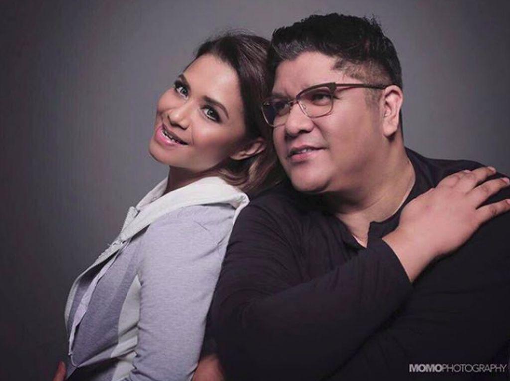 Menikah 24 Tahun, Ruth Sahanaya dan Jeffry Makin Mesra
