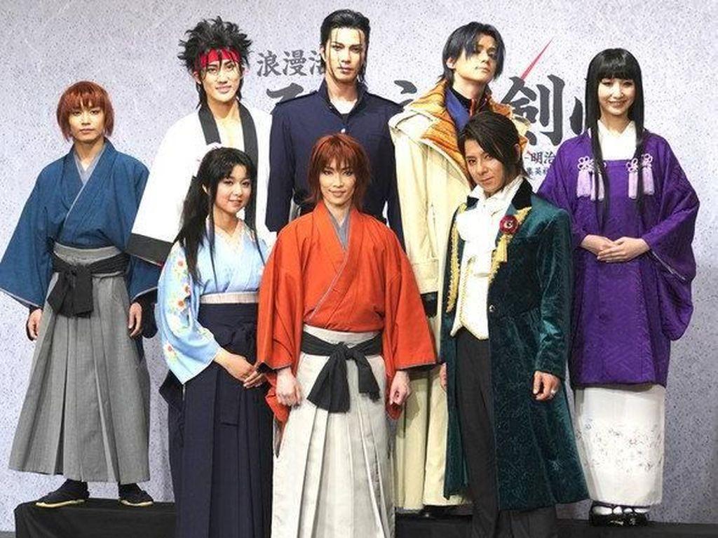 Ini Penampilan Para Pemain Drama Musikal Rurouni Kenshin