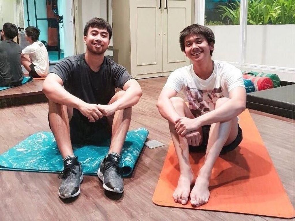 Posting Foto Fitness, Netizen Salfok Sama Kaki Iqbaal Ramadhan