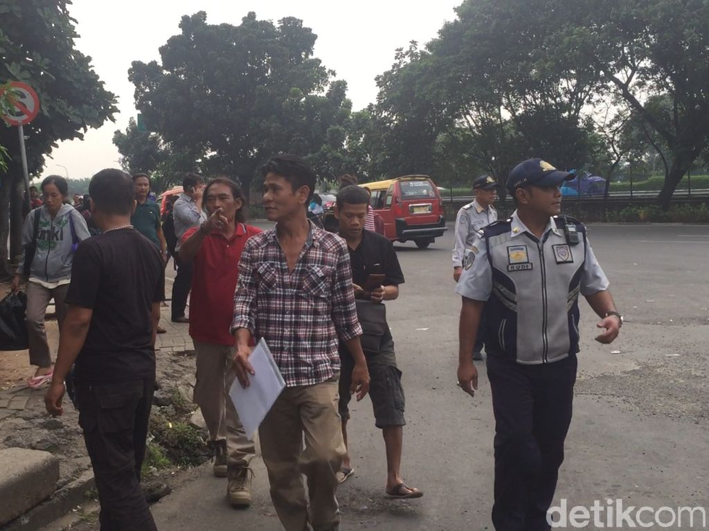 Polres Jaktim Razia Preman di Terminal Kampung Rambutan