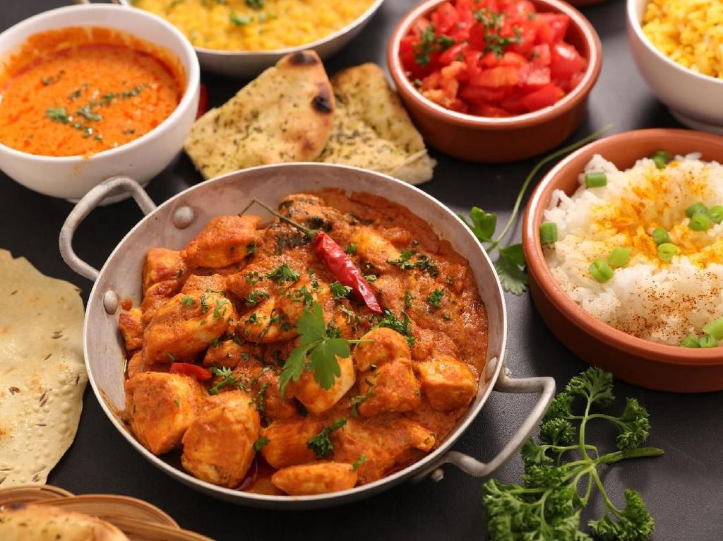 Baru Gajian? Yuk, Makan Malam dengan Hidangan India yang Enak di Sini