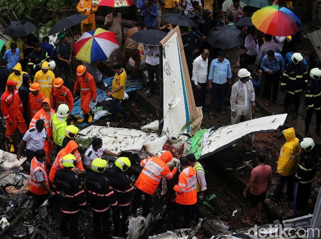 Kecelakaan Pesawat Kecil di India Tewaskan 5 Orang