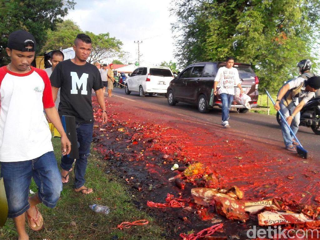 Merahnya Lautan Sambal di Jalanan Jeneponto