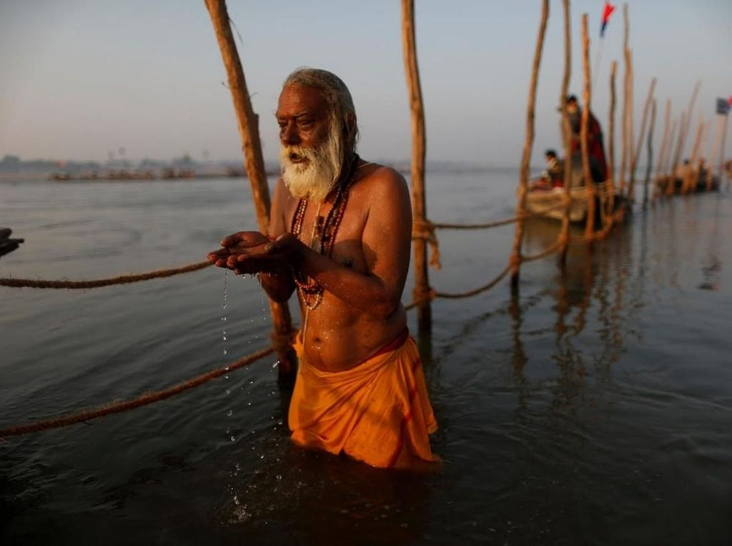 Foto: Festival Sucikan Diri di India 12 Tahun Sekali