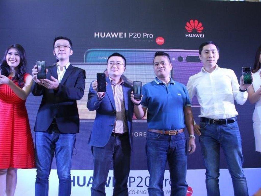 Huawei Ingin Salip Samsung Rilis Ponsel Layar Lipat