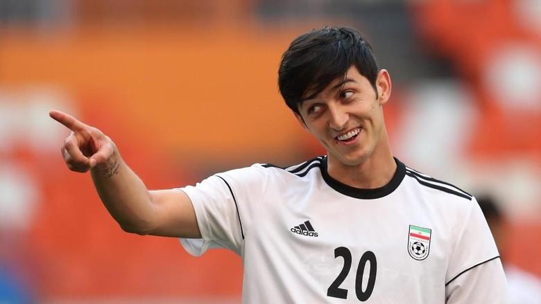 Sardar Azmoun, Messi-nya Iran Pensiun Muda Demi Ibu yang Sakit