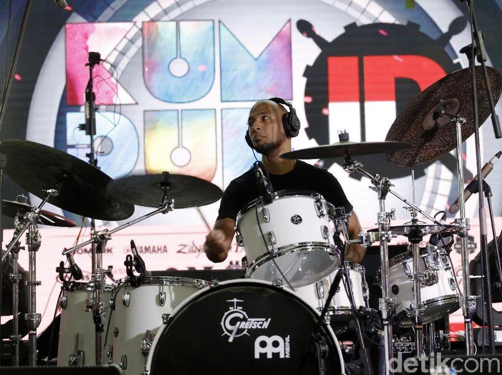 Bukan Nyanyi, Marcell Pamer Skill Bersolo Drum!