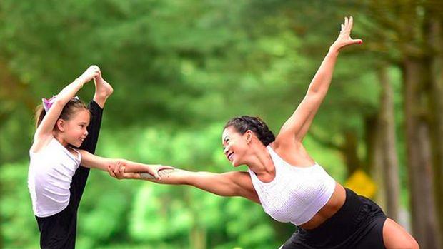4 Hal tentang Yoga Anak yang Perlu Bunda Tahu