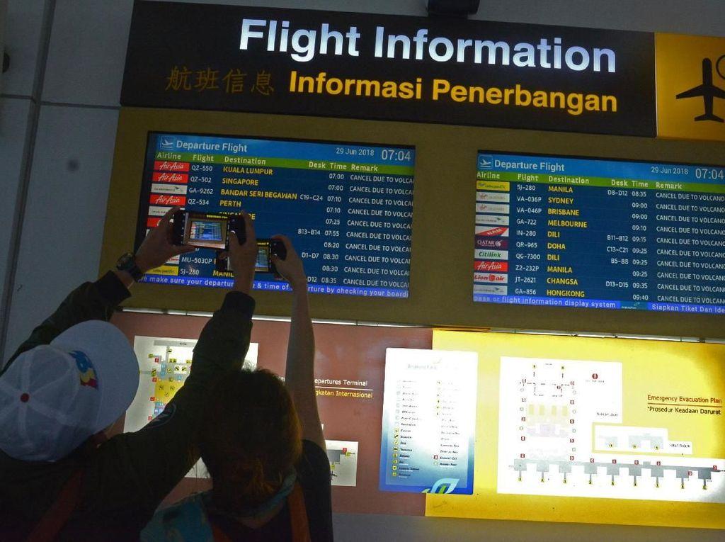 Abu Vulkanik Gunung Agung Menipis, Bandara Bali Kembali Dibuka