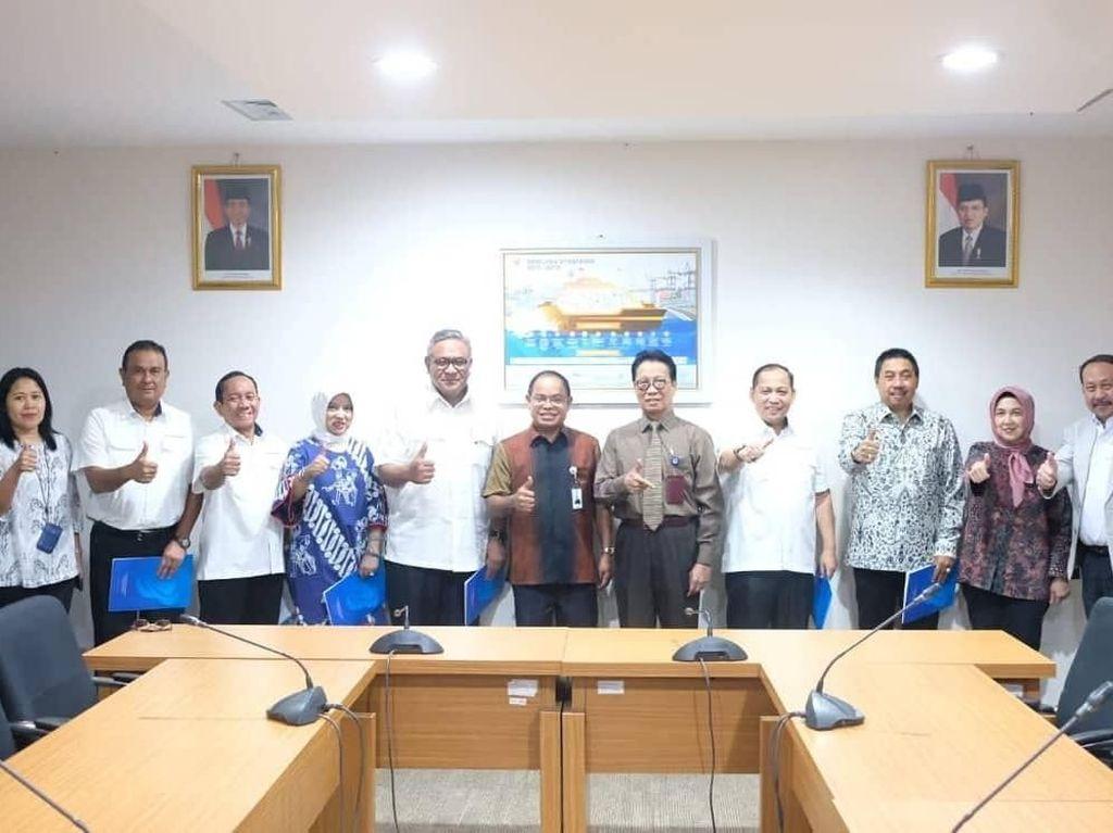 Rini Rombak Direksi Surveyor Indonesia
