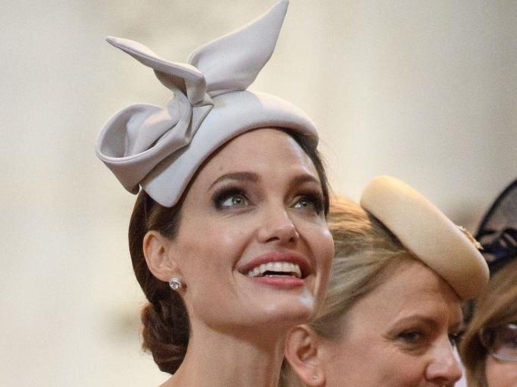 Angelina Jolie Sumbang Rp 16 M untuk Anak-anak Terdampak Virus Corona