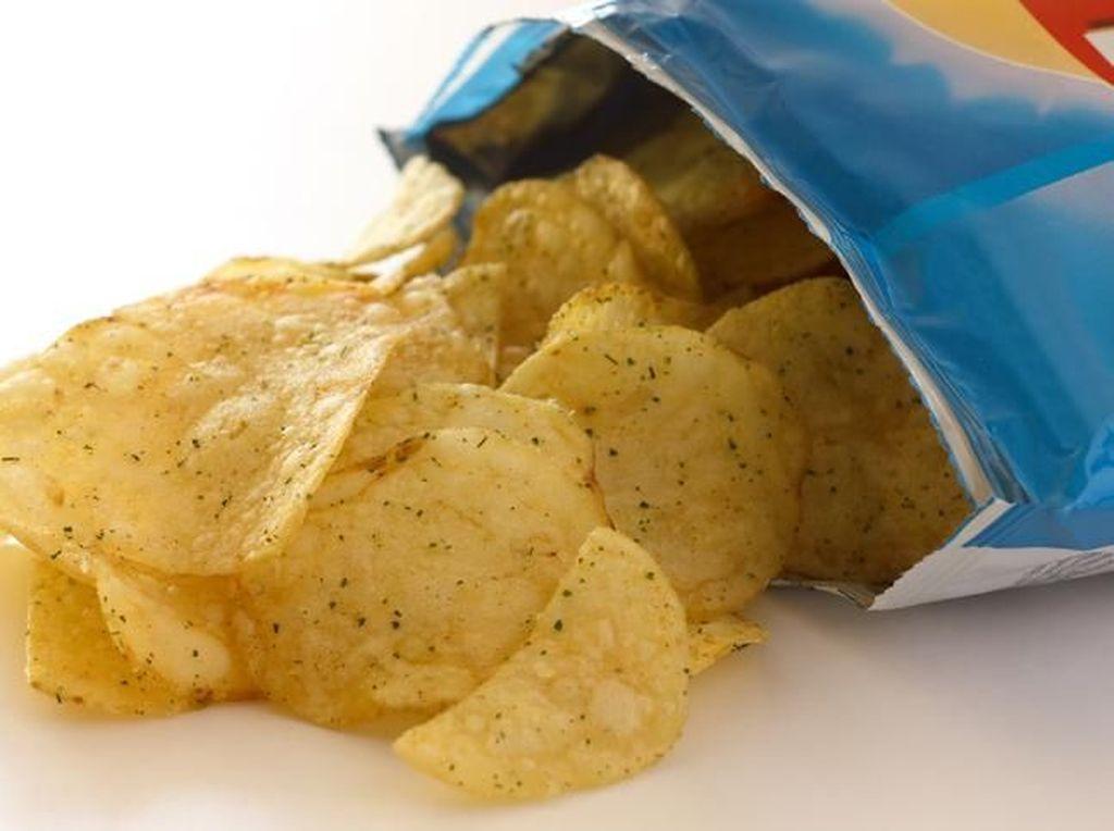 Ini Alasan Kenapa Kemasan Snack Keripik Sebagian Besar Isinya Angin