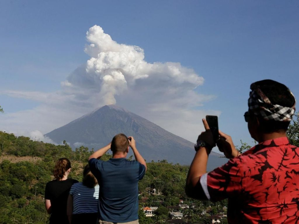 BPS: Aktivitas Gunung Agung Tak akan Ganggu Kunjungan Wisman