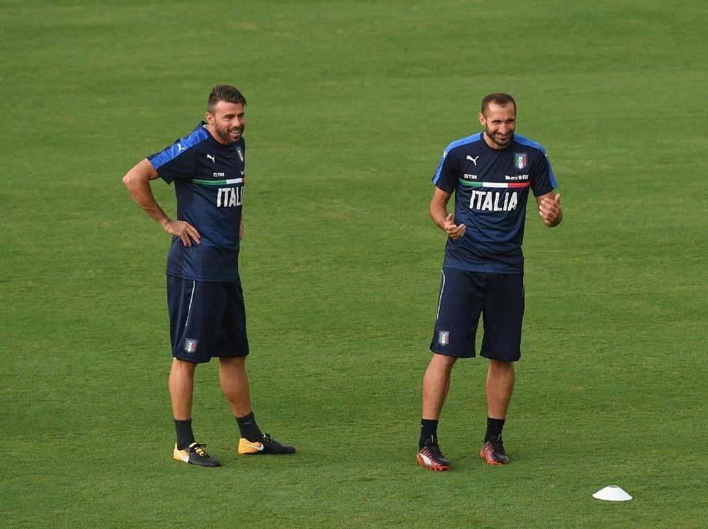 Juventus Perpanjang Kontrak Duo Veteran, Chiellini dan Barzagli