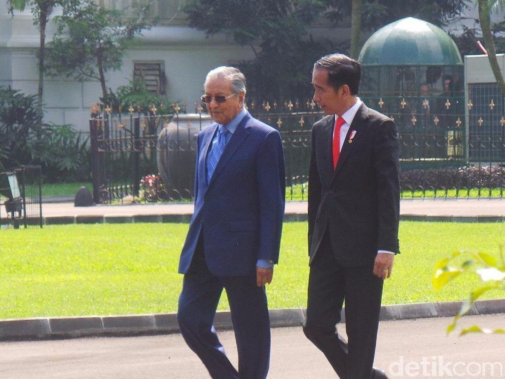 Jokowi-Mahathir Bahas Perbatasan hingga Persoalan TKI di Malaysia