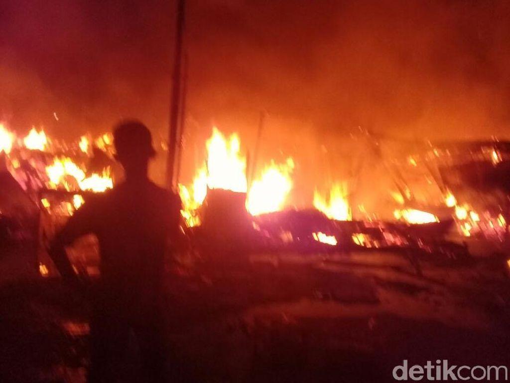 10 Rumah dan Kios di Pekanbaru Terbakar