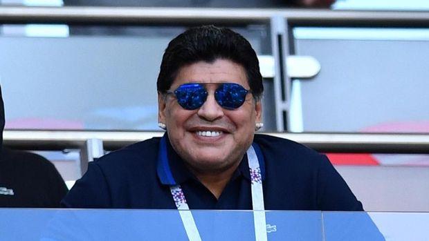 Legenda timnas Argentina, Diego Maradona, dianggap masih kalah hebat dari Valentino Rossi. (