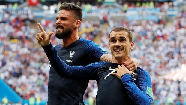 Dua penyerang timnas Prancis, Giroud dan Antoine Griezmann.