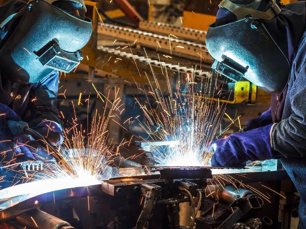 Pengamat Nilai RUU Cipta Kerja Buka Peluang & Norma Baru bagi Pekerja