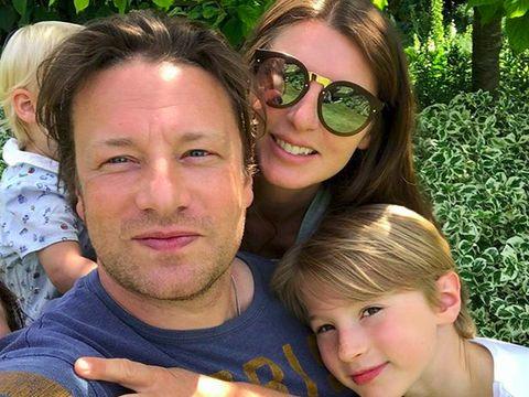 Aksi Heroik Jamie Oliver Lindungi Keluarga dari Maling
