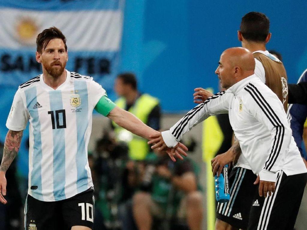 Sampaoli Tepis Rumor Messi Tentukan Pergantian Pemain