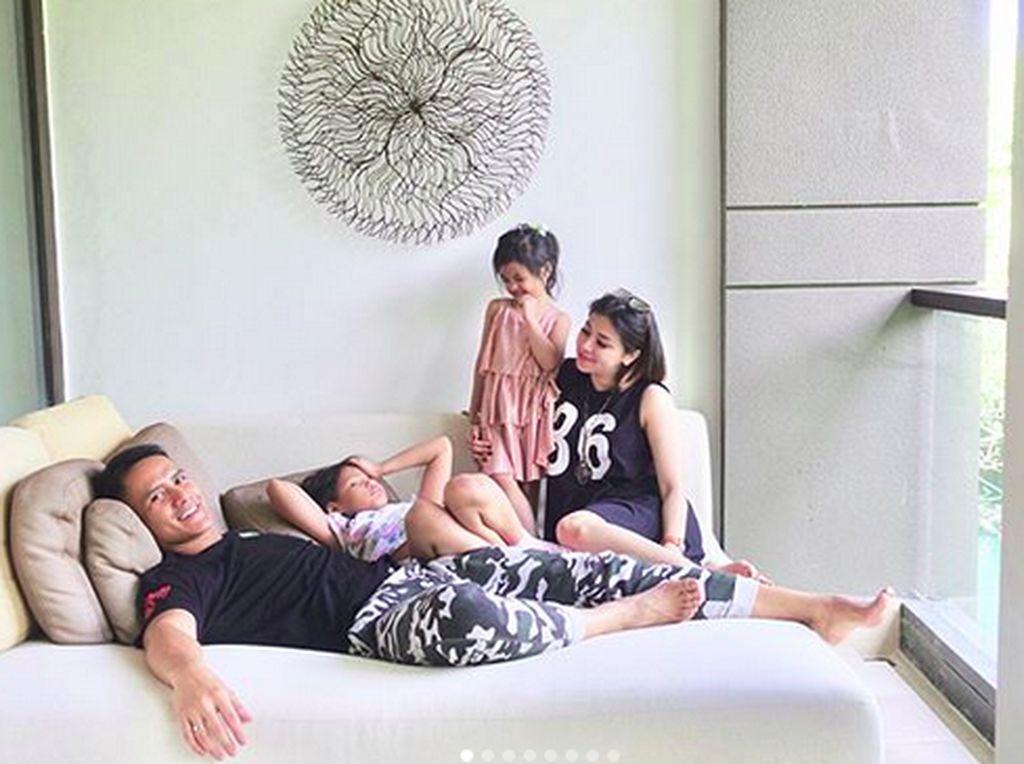 Melongok Momen Kebersamaan Keluarga Choky Sitohang