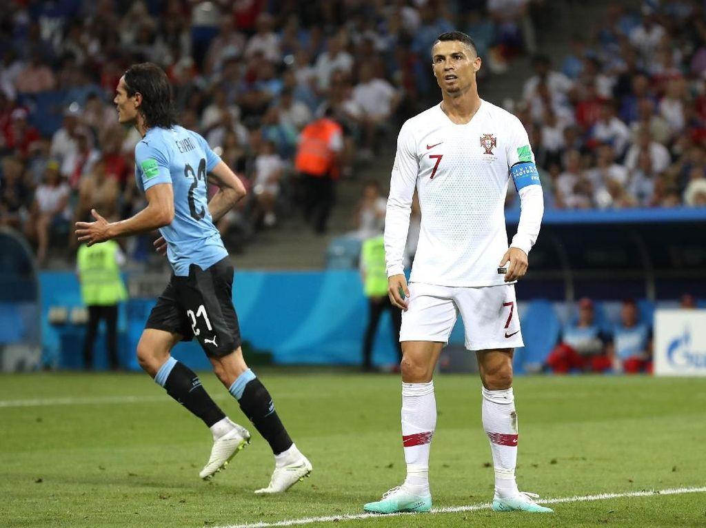 Sinar Cavani Redupkan Ronaldo