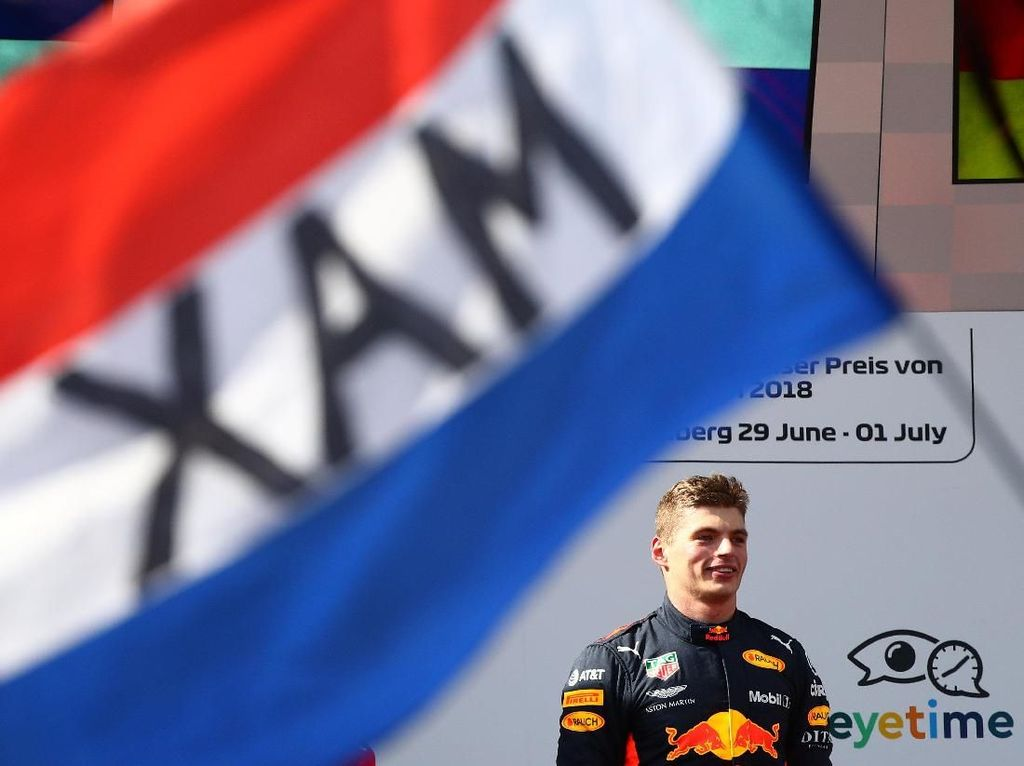 Max Verstappen Juara, Duo Mercedes Out