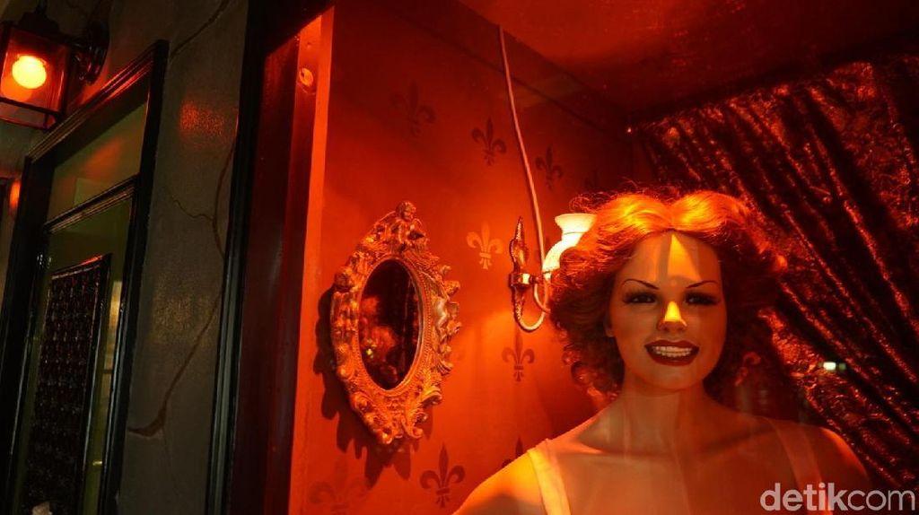 Foto: Geleng-geleng Kepala di Museum Seks Amsterdam